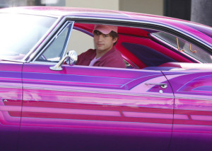 Ashton Kutcher is Pretty in Pink in Valentine's Day